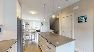 """Photo 7: 9 38684 BUCKLEY Avenue in Squamish: Dentville Townhouse for sale in """"Newport Landing"""" : MLS®# R2457555"""