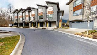 """Photo 14: 9 38684 BUCKLEY Avenue in Squamish: Dentville Townhouse for sale in """"Newport Landing"""" : MLS®# R2457555"""