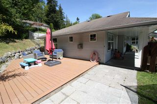 Photo 16: 5943 ST ANDREWS Place in Sechelt: Sechelt District House for sale (Sunshine Coast)  : MLS®# R2459726