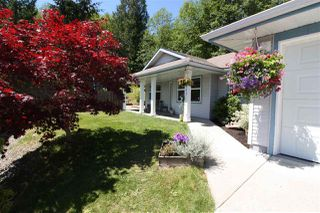 Photo 2: 5943 ST ANDREWS Place in Sechelt: Sechelt District House for sale (Sunshine Coast)  : MLS®# R2459726