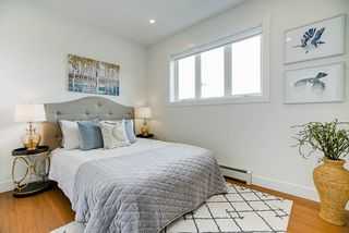 """Photo 12: 1013 - 1015 LAKEWOOD Drive in Vancouver: Grandview Woodland 1/2 Duplex for sale in """"""""THE DRIVE"""""""" (Vancouver East)  : MLS®# R2472521"""