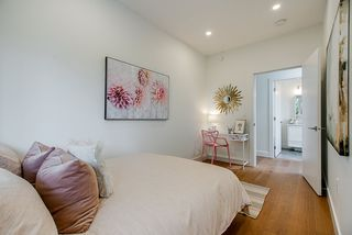 """Photo 16: 1013 - 1015 LAKEWOOD Drive in Vancouver: Grandview Woodland 1/2 Duplex for sale in """"""""THE DRIVE"""""""" (Vancouver East)  : MLS®# R2472521"""