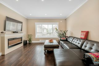 Photo 2: 10 7551 No 2 Road in : Granville Townhouse for sale (Richmond)  : MLS®# R2482127