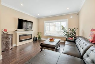 Photo 3: 10 7551 No 2 Road in : Granville Townhouse for sale (Richmond)  : MLS®# R2482127