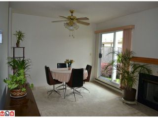 """Photo 3: 1 10062 154TH Street in SURREY: Guildford Townhouse for sale in """"WOODLAND GROVE"""" (North Surrey)  : MLS®# F1215581"""