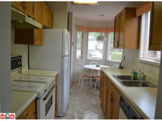 """Photo 4: 1 10062 154TH Street in SURREY: Guildford Townhouse for sale in """"WOODLAND GROVE"""" (North Surrey)  : MLS®# F1215581"""