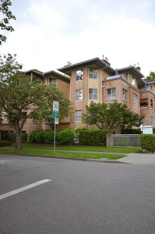 """Photo 6: 408 1188 CARDERO Street in Vancouver: West End VW Condo for sale in """"THE HAMPSTEAD"""" (Vancouver West)  : MLS®# V957664"""