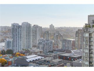 "Photo 8: 2205 928 RICHARDS Street in Vancouver: Yaletown Condo for sale in ""THE SAVOY"" (Vancouver West)  : MLS®# V980045"