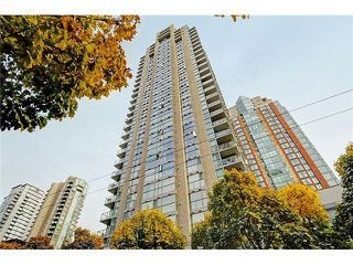 "Photo 2: 2205 928 RICHARDS Street in Vancouver: Yaletown Condo for sale in ""THE SAVOY"" (Vancouver West)  : MLS®# V980045"