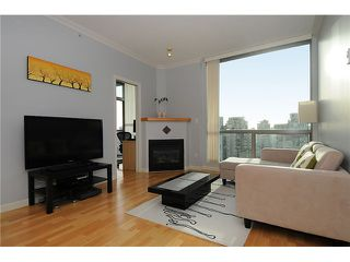 "Photo 3: 2205 928 RICHARDS Street in Vancouver: Yaletown Condo for sale in ""THE SAVOY"" (Vancouver West)  : MLS®# V980045"