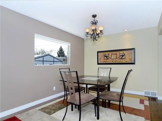 Photo 5: 607 WILLINGDON Boulevard SE in CALGARY: Willow Park Residential Detached Single Family for sale (Calgary)  : MLS®# C3554868