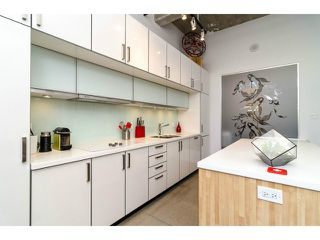 """Photo 6: # 205 546 BEATTY ST in Vancouver: Downtown VW Condo for sale in """"THE CRANE BUILDING"""" (Vancouver West)  : MLS®# V1010837"""
