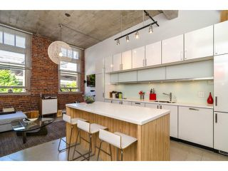 """Photo 1: # 205 546 BEATTY ST in Vancouver: Downtown VW Condo for sale in """"THE CRANE BUILDING"""" (Vancouver West)  : MLS®# V1010837"""