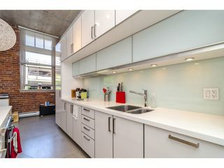 """Photo 5: # 205 546 BEATTY ST in Vancouver: Downtown VW Condo for sale in """"THE CRANE BUILDING"""" (Vancouver West)  : MLS®# V1010837"""