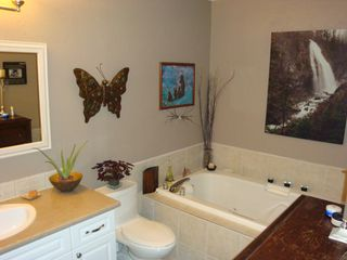 Photo 11: 326 1215 Lansdowne Drive in Sunridge Estates: Upper Eagle Ridge Home for sale ()