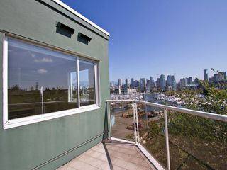 "Photo 4: # 602 1510 W 1ST AV in Vancouver: False Creek Condo for sale in ""MARINER POINT"" (Vancouver West)  : MLS®# V1020236"