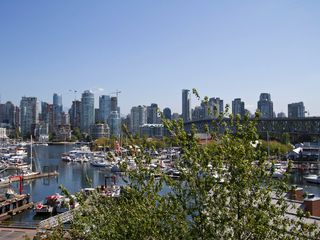 "Photo 2: # 602 1510 W 1ST AV in Vancouver: False Creek Condo for sale in ""MARINER POINT"" (Vancouver West)  : MLS®# V1020236"