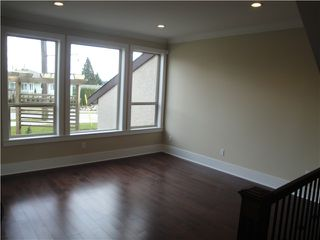 Photo 2: 133 ST DAVIDS Avenue in North Vancouver: Lower Lonsdale House 1/2 Duplex for sale : MLS®# V1027716