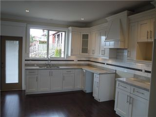 Photo 3: 133 ST DAVIDS Avenue in North Vancouver: Lower Lonsdale House 1/2 Duplex for sale : MLS®# V1027716