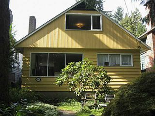 Photo 2: 3051 SUNNYHURST RD in North Vancouver: Lynn Valley House for sale : MLS®# V1041725