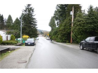 Photo 13: 6783 AUBREY ST in Burnaby: Sperling-Duthie House 1/2 Duplex for sale (Burnaby North)  : MLS®# V1057188