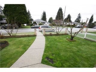 Photo 3: 6783 AUBREY ST in Burnaby: Sperling-Duthie House 1/2 Duplex for sale (Burnaby North)  : MLS®# V1057188