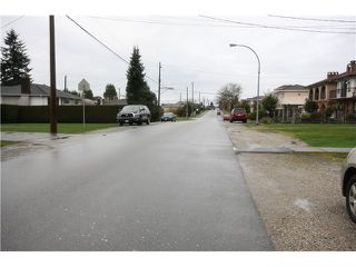 Photo 14: 6783 AUBREY ST in Burnaby: Sperling-Duthie House 1/2 Duplex for sale (Burnaby North)  : MLS®# V1057188