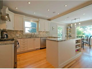 Photo 3: 11402 RIVER WYND Street in Maple Ridge: Southwest Maple Ridge House for sale : MLS®# V1079224