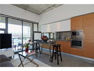 Photo 3: # 406 388 W 1ST AV in Vancouver: False Creek Condo for sale (Vancouver West)  : MLS®# V1069546