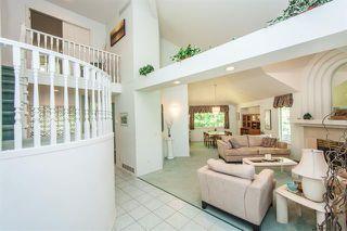 Photo 4: Coquitlam: Condo for sale : MLS®# R2067235