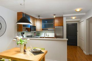 Photo 4: 3022 W 4th Avenue in Vancouver: Kitsilano Townhouse for sale (Vancouver West)  : MLS®# R2131982