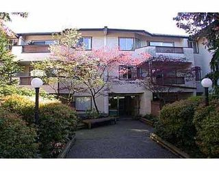 "Photo 1: 110 809 W 16TH ST in North Vancouver: Hamilton Condo for sale in ""PANORAMA COURT"" : MLS®# V552557"