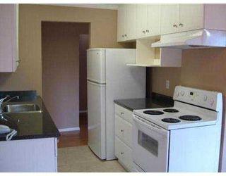 "Photo 4: 110 809 W 16TH ST in North Vancouver: Hamilton Condo for sale in ""PANORAMA COURT"" : MLS®# V552557"