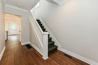 Photo 6: 516 East Queensdale Avenue in Hamilton: House for sale : MLS®# H4055054