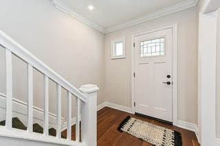 Photo 5: 516 East Queensdale Avenue in Hamilton: House for sale : MLS®# H4055054