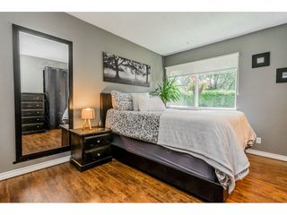 "Photo 14: 6103 E GREENSIDE Drive in Surrey: Cloverdale BC Townhouse for sale in ""Greenside"" (Cloverdale)  : MLS®# R2390894"