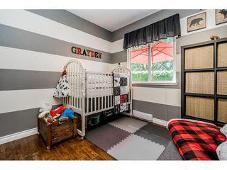 "Photo 13: 6103 E GREENSIDE Drive in Surrey: Cloverdale BC Townhouse for sale in ""Greenside"" (Cloverdale)  : MLS®# R2390894"