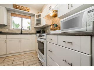 "Photo 9: 6103 E GREENSIDE Drive in Surrey: Cloverdale BC Townhouse for sale in ""Greenside"" (Cloverdale)  : MLS®# R2390894"