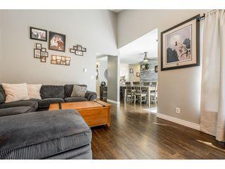 "Photo 5: 6103 E GREENSIDE Drive in Surrey: Cloverdale BC Townhouse for sale in ""Greenside"" (Cloverdale)  : MLS®# R2390894"