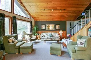 Photo 2: 123 OJIBWA Bay South in Buffalo Point: R17 Residential for sale : MLS®# 1932851