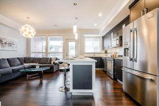 """Photo 8: 17 14877 60 Avenue in Surrey: Sullivan Station Townhouse for sale in """"Lumina"""" : MLS®# R2465738"""