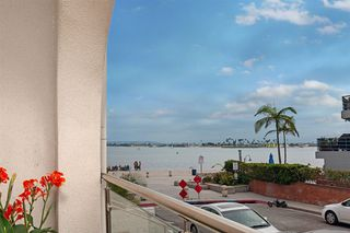 Main Photo: PACIFIC BEACH Condo for sale : 2 bedrooms : 4007 Everts St #1A in San Diego