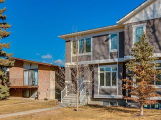 Photo 3: 7516 36 Avenue NW in Calgary: Bowness Semi Detached for sale : MLS®# A1019439