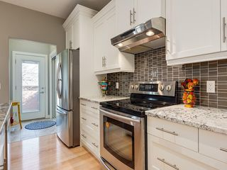 Photo 16: 7516 36 Avenue NW in Calgary: Bowness Semi Detached for sale : MLS®# A1019439