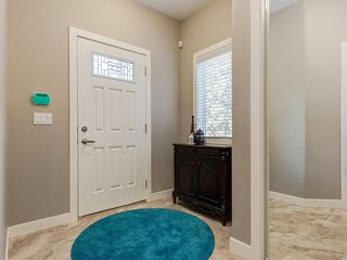 Photo 4: 7516 36 Avenue NW in Calgary: Bowness Semi Detached for sale : MLS®# A1019439