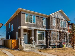 Photo 2: 7516 36 Avenue NW in Calgary: Bowness Semi Detached for sale : MLS®# A1019439