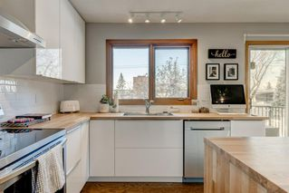 Photo 4: 10427 Wapiti Drive SE in Calgary: Willow Park Detached for sale : MLS®# A1048790
