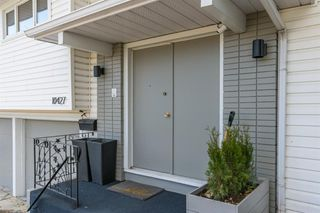 Photo 2: 10427 Wapiti Drive SE in Calgary: Willow Park Detached for sale : MLS®# A1048790