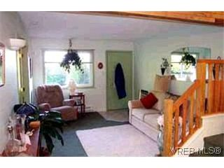 Photo 3: 3 974 Dunford Ave in VICTORIA: La Langford Proper Row/Townhouse for sale (Langford)  : MLS®# 314180