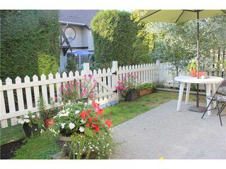 "Photo 10: 77 12099 237TH Street in Maple Ridge: East Central Townhouse for sale in ""GABROILA"" : MLS®# V1024539"